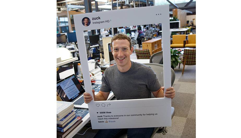 facebook-mark-zuckerberg-laptop