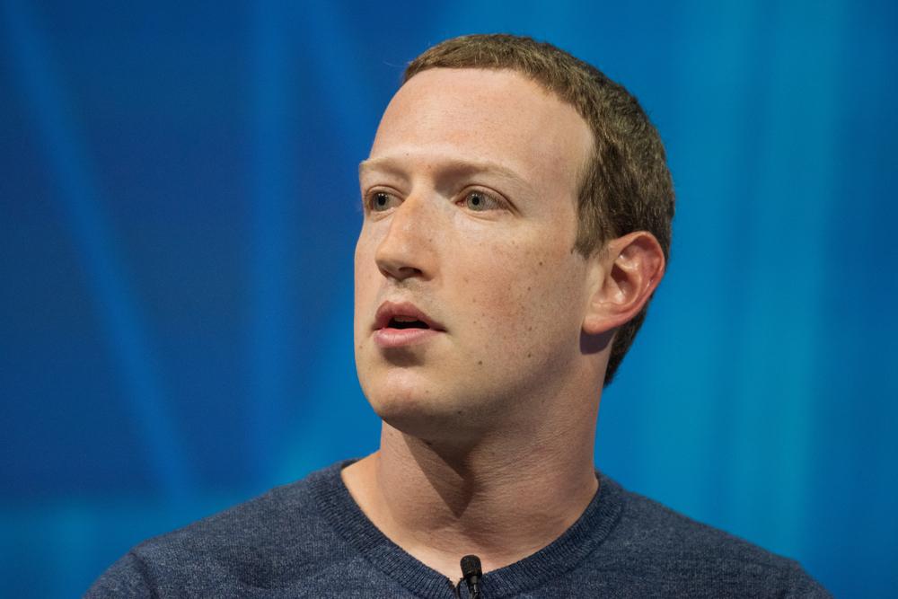 manipulación política en facebook